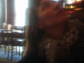 Anja im Pub